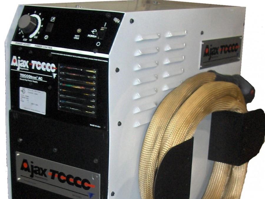 Induktives Erwärmgerät für Schrumpfprozesse - Ideal für Kleinteilerwärmungen und Schrumpfanwendungen mit anschließendem Fügeprozess. Manuelle<br/>Be-und Entladung