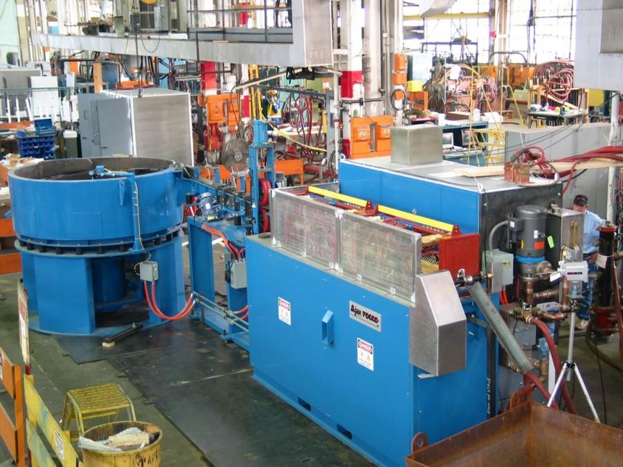 Schmiedeanlagen - Induktionsblockerwärmer zum Erwärmen von Stahl und anderen Metallen.